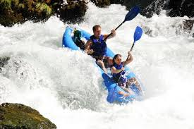 Whitewater kayaking on the Trinity River (Shasta Trinity National Forest)