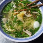 Noodle soup with chicken and quail egg.